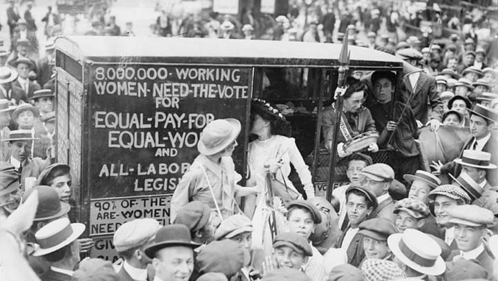 L'evoluzione dei diritti della donna: dal permesso di votare alla possibilità di praticare l'inseminazione artificiale.