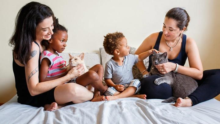Figlie di due donne, il primo caso in Italia grazie alla stepchild adoption.