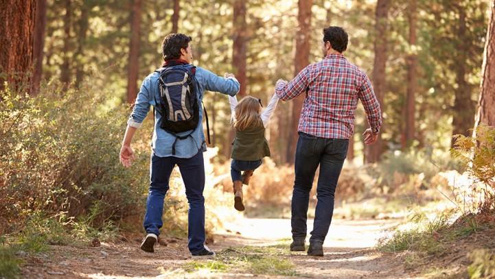 """""""Bambini arcobaleno"""" e stepchild adoption: il diritto di essere figli e di avere la propria famiglia."""